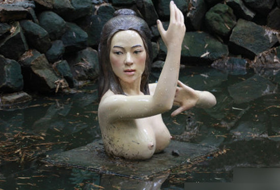 No.5 重慶永川竹海景點的章子怡半裸雕塑.jpg